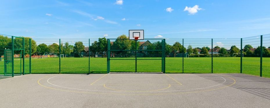 Multisport game court